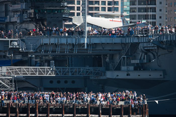 Upper Deck: Beautiful weather brought out the crowds on Sunday.  Photo:�2011 ACEA/Gilles Martin-Raget
